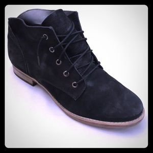 DIBA Sz 9 Black Leather Laced Front Ankle Boots
